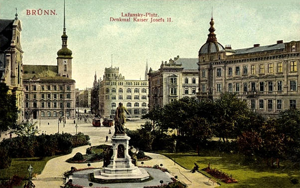 Lazansky-Platz mit Kaiser Josef II.-Denkmal